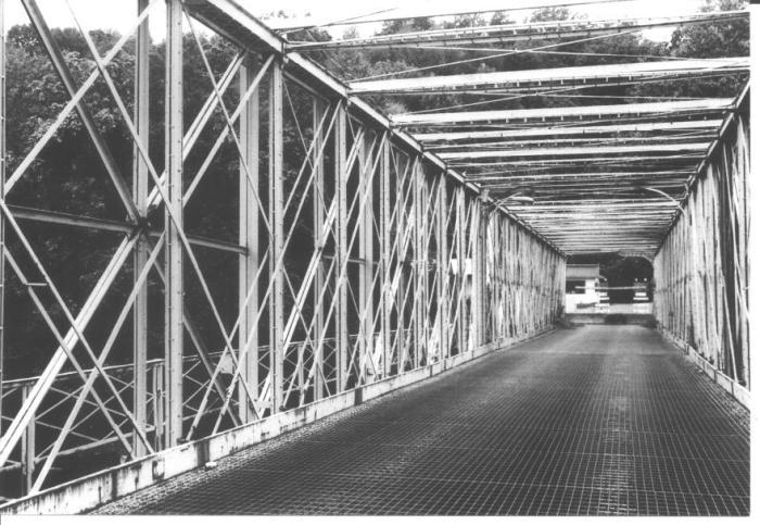 Mead Avenue Bridge in Meadville, Pennsylvania(USA)