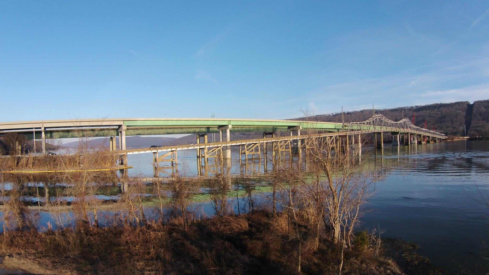Overview of the slue, approach and main spans of the BB Comer Bridge. Photo taken by David Kennamer