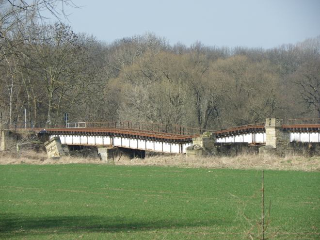 Close-up of the collapsed spans.