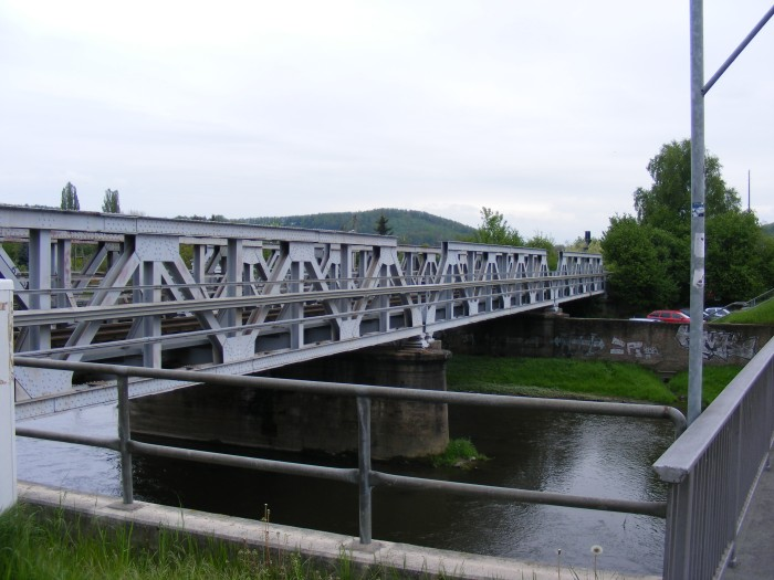 Railroad bridge at the train station Gera-Zwötzen, serving the Gera-Triptis-Saalfeld line, but now also the Gera-Greiz-Plauen line