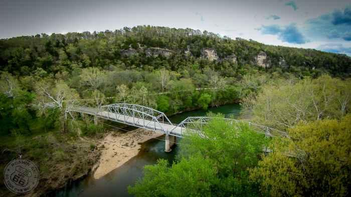 Devil's Elbow Bridge carrying US Hwy. 66 in Missouri. Photos courtesy of Roamin Rich