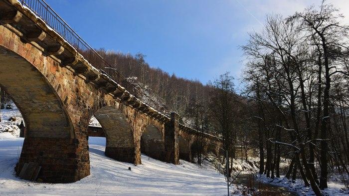 Ungenutztes Viadukt in Oberlochmühle