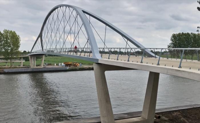 New cycle bridge atNigtevecht