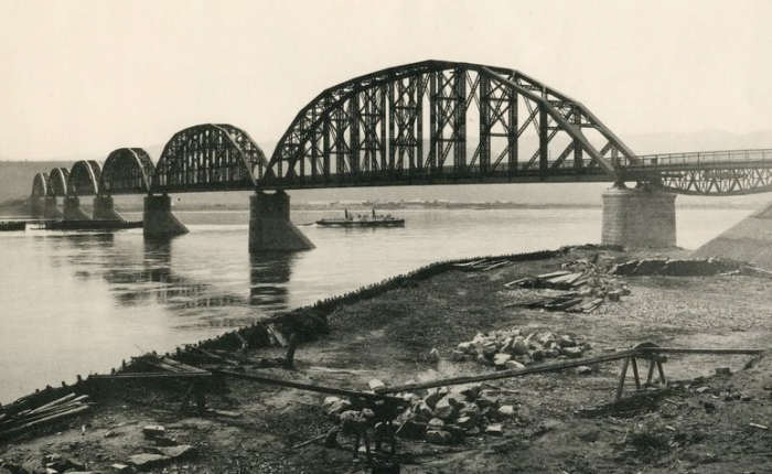 Today in Transportation History – March 28, 1899: A Noteworthy Bridge on the World's Longest Railway Line