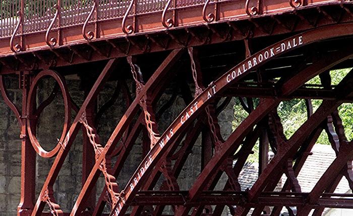 In The Red ~ Iron BridgeMakeover
