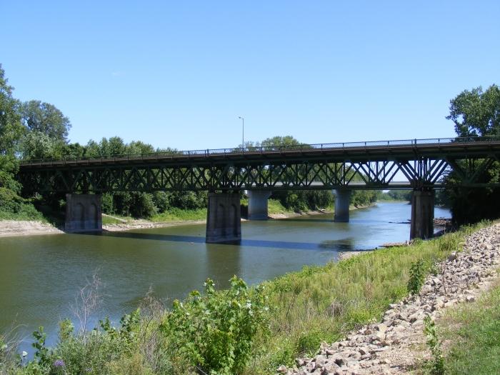 Holmes Street Bridge alt